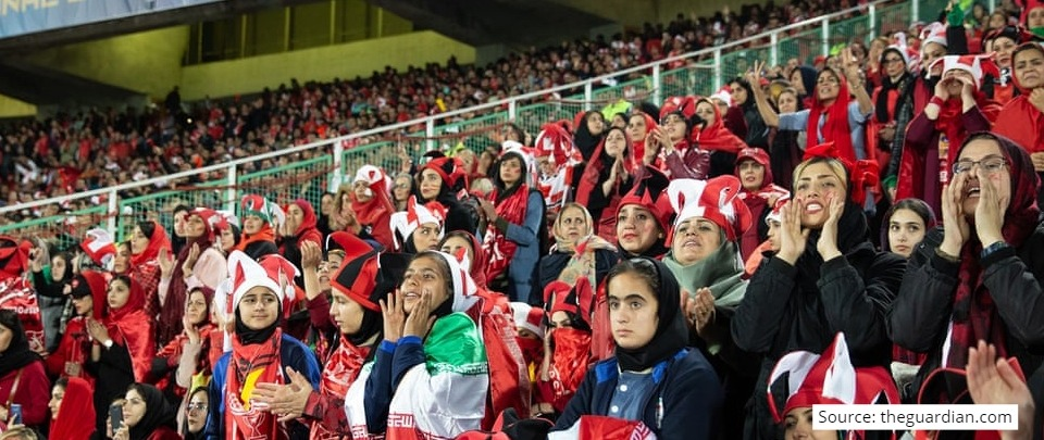 The Daily Digest: Female Football Fans