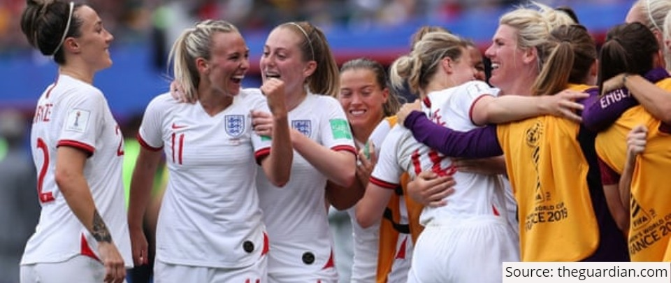 The Daily Digest: Mainstreaming Women's Football