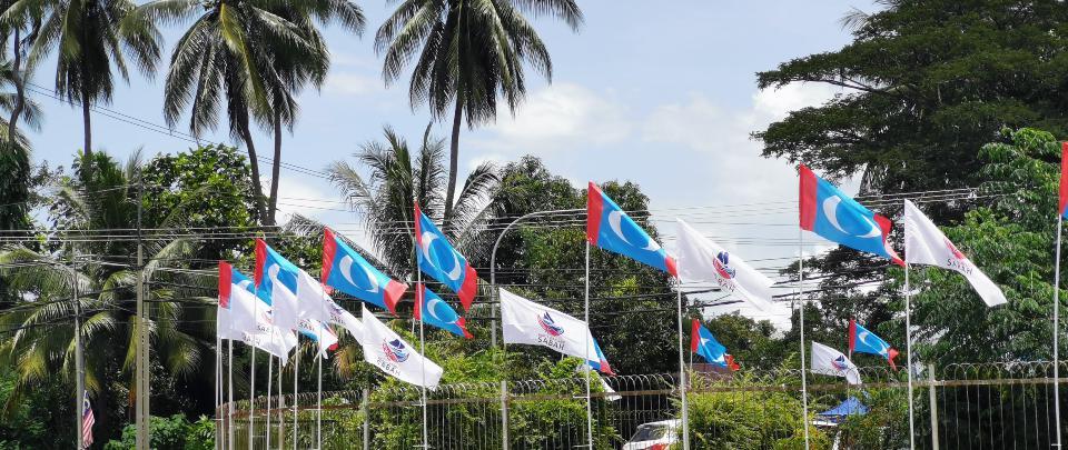 Perikatan Nasional vs Warisan: Battle of the Billboards