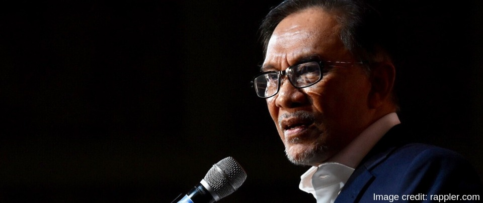 """Anwar Clarifies Stance on EC, Bersih 2.0 After Telling Them Not To Go """"Overboard"""""""