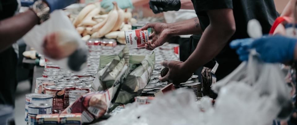 #KitaJagaKita With Food Bank Aids