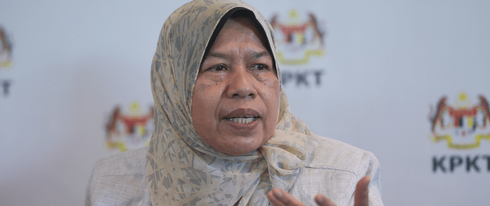 Zuraida Discusses Home Quarantine, Minister Backlash