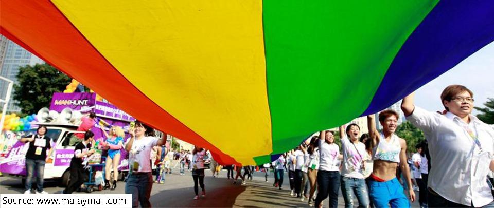 Health News Digest: Physician's Pledge vs LGBT
