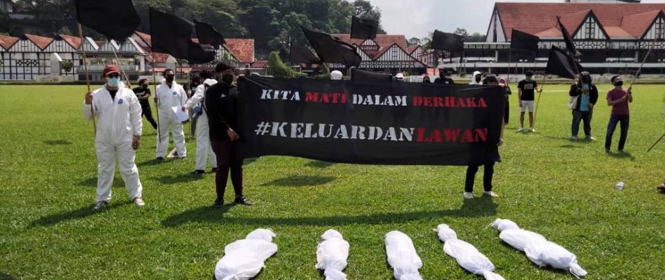"""Kita Mati Dalam Derhaka: Black Flags, """"Dead Bodies"""" and Poetry"""