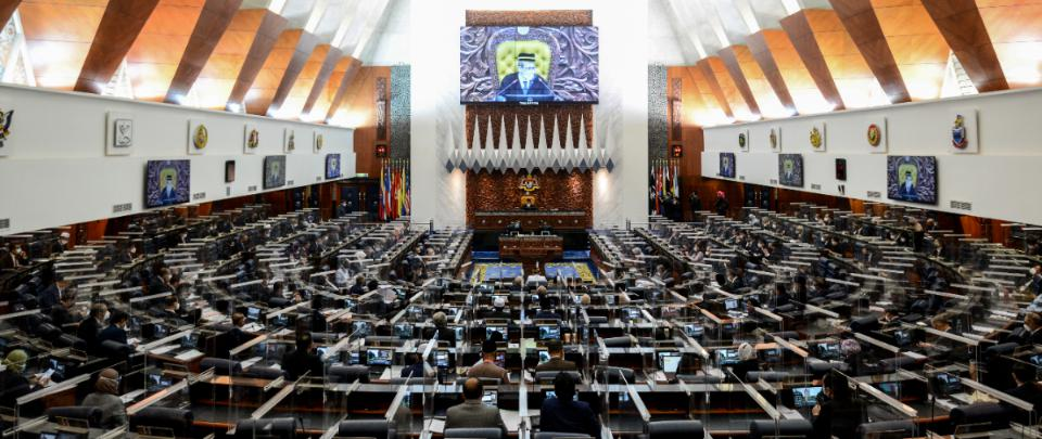 Law & Behold #39: Parliament 2021 - Revocations, Royal Rebukes, a Constitutional Crisis?