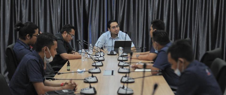 Wan Fayhsal: BNM Should Print Money