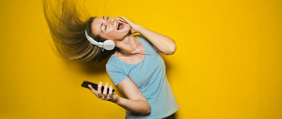 Is Live Audio Content The Next 'Stories'?